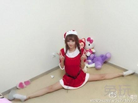 斗鱼tv美女主播牛小蘑菇一字马为lol小智庆祝生日(18)