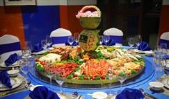 RNG赴珠海参加德杯 粉丝送特色海鲜大餐