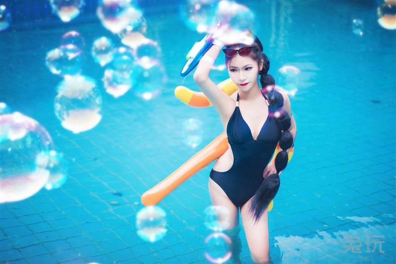 超级博客暗夜泳池VN上演性感湿身诱惑_兔玩比基尼性感勃起猎手图片