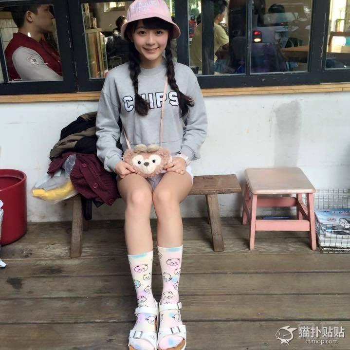台湾辅大校花钟蕙羽生活照