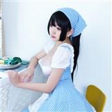 蓝色格子女仆